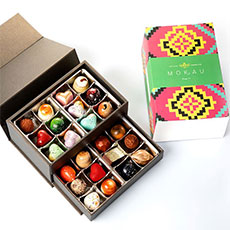 Sleeve packaging for chocolates